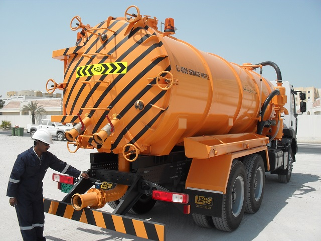 Cleaning of fresh water tanks services